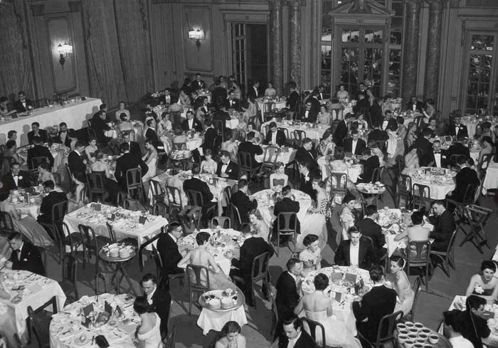 Photograph of the Spring Prom dinner at the Chateau Laurier, 1956