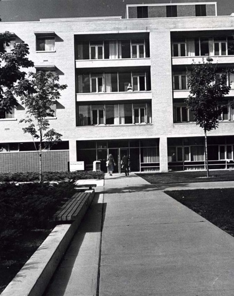 Photograph of the exterior of Renfrew House circa 1960